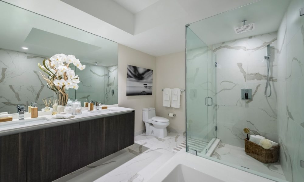 large modern bathroom image