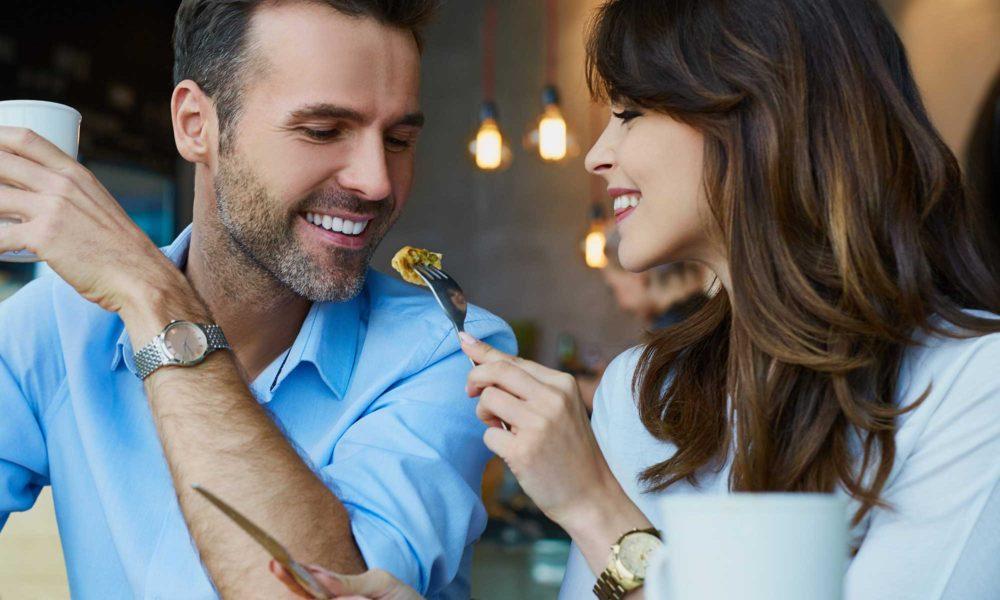 couple dining image
